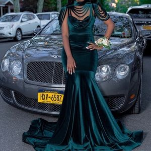 Dresses & Skirts - Velvet Met Gala Evening Gown